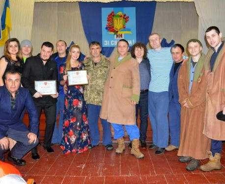 На Харьковщине украинские певцы дали благотворительный концерт для раненых бойцов