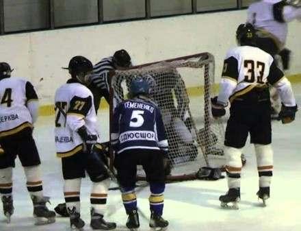 В Харькове приезжие из Донбасса побили хоккеистов