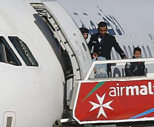 Пассажиров захваченного ливийского лайнера отпустили