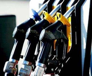 На украинских АЗС подорожали бензин и дизтопливо