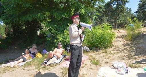 Спасатели провели на Журавлевке мастер-класс для отдыхающих