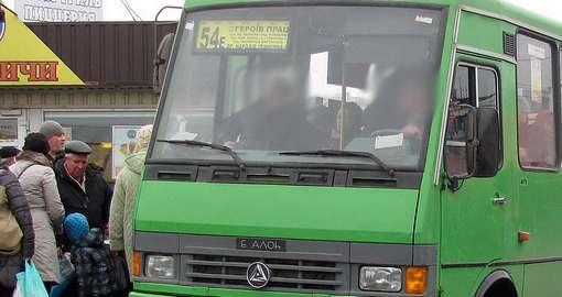 Харьковские маршрутчики издеваются над пассажирами