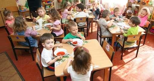 Чем кормят малышей в детских садах Харькова