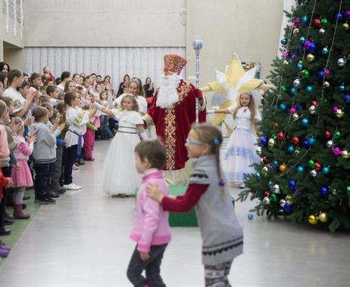 Школьники из Харьковской области уехали на президентскую елку
