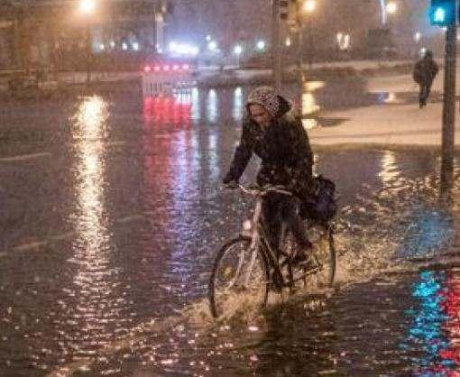 На севере Германии бушует мощное наводнение