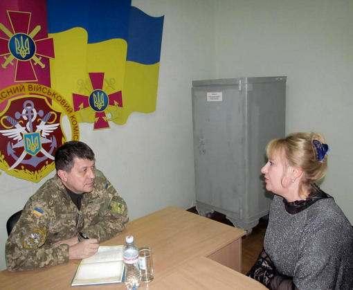 Региональная общественная приемная министра обороны на Харьковщине в прошлом году помогла двум сотням людей