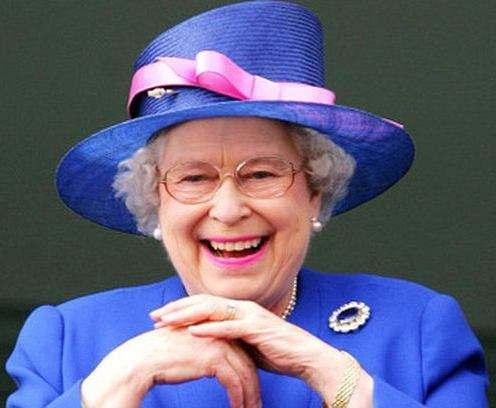 Британскую королеву Елизавету II чуть не застрелили в собственном дворце