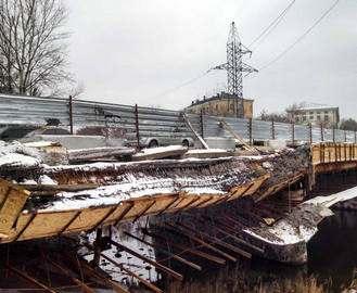 В Харькове на мосту обвалилась опалубка