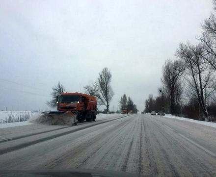 За праздничные дни в Харьковской области расчистили 45 тысяч км дорог