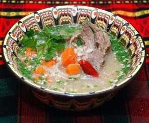 Настоящий суп харчо можно попробовать в «Кристалле»