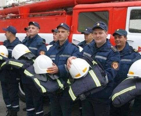 Харьковские спасатели выезжают на пожары с «лишним» экипажем