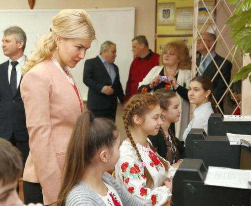 Школы Харьковской области получили более 1400 компьютеров