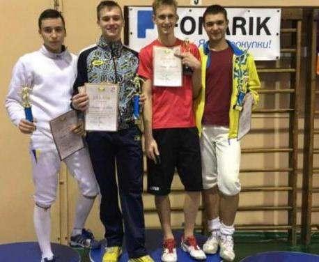 Харьковские фехтовальщики стали лучшими на домашнем турнире