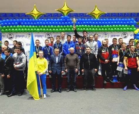 Спортсмены почтили память Тренера на борцовских коврах