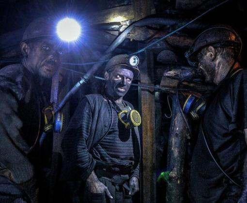 В шахте имени Засядько заблокированы более 200 горняков