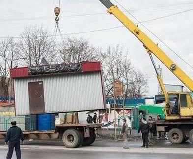 В Харькове продолжают сносить самовольно размещенные объекты