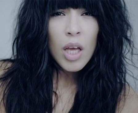 Победительница «Евровидения-2012» призналась в бисексуальности