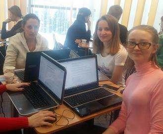 В Харькове прошел мастер-класс для девушек по программированию