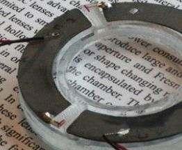 Технология «жидкостных линз» позволит создать универсальные очки