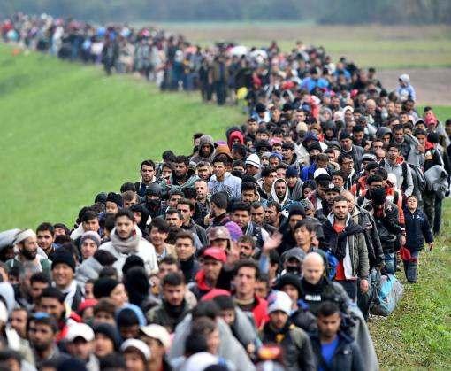 Евросоюз будет наказывать страны за отказ принимать беженцев