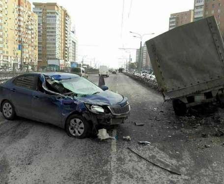ДТП в Харькове: пьяные пассажиры, маршрутка и раненый водитель (фото, видео)