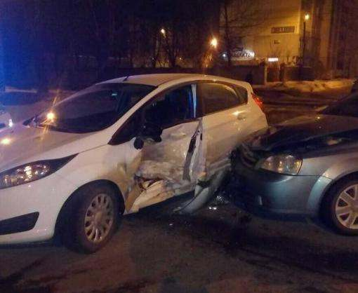 ДТП в Харькове: такси и пострадавшие