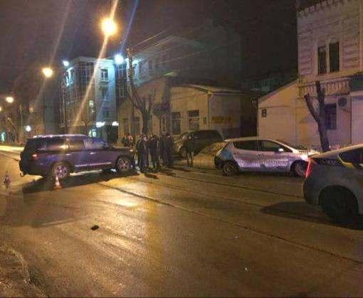 ДТП в Харькове: Cruiser и Leaf не разъехались на перекрестке