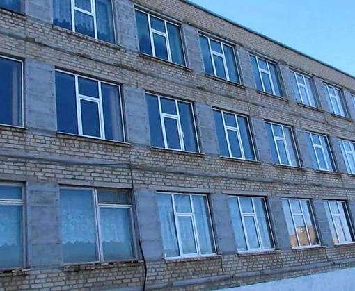 В Изюме за деньги европейцев ремонтируют гимназию