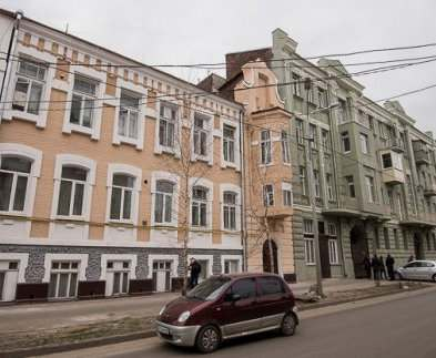 В Харькове продолжают реконструировать улицу Чеботарскую