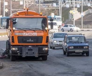 В Харькове подчищают дороги