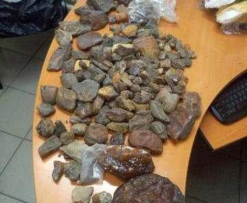 СБУ не дала вывезти килограммы янтаря