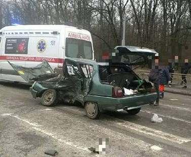 ДТП в Харькове: на Белгородском шоссе в ДТП погиб водитель (фото)