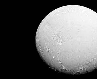 У спутника Сатурна доказали наличие теплого океана