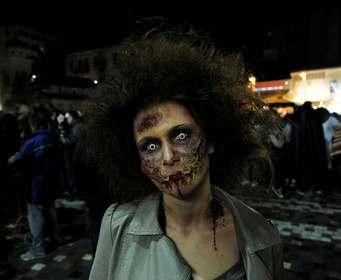 «Ходячих мертвецов» пообещали показывать еще десять лет
