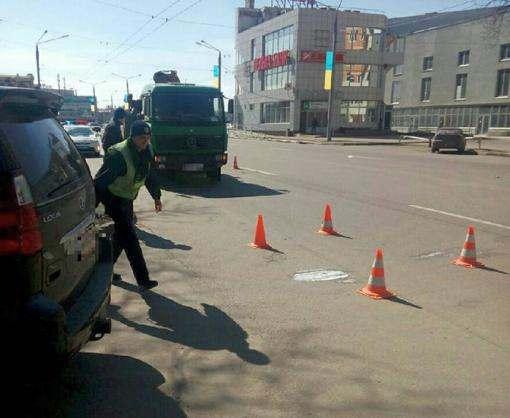 ДТП в Харькове: на проспекте Науки грузовик сбил женщину насмерть