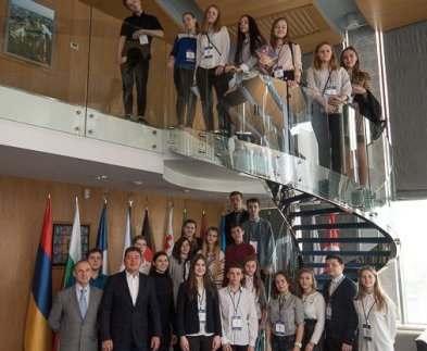 Харьковские школьники побывали в мэрии