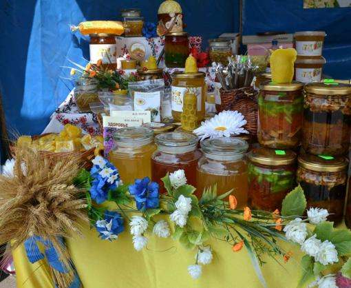 В центре Харькова открылась вербная ярмарка
