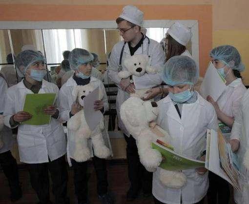 Пациенты выбирали врачей на ярмарке здоровья