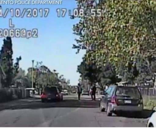 Полицейский избил прохожего за любопытство: видео-факт