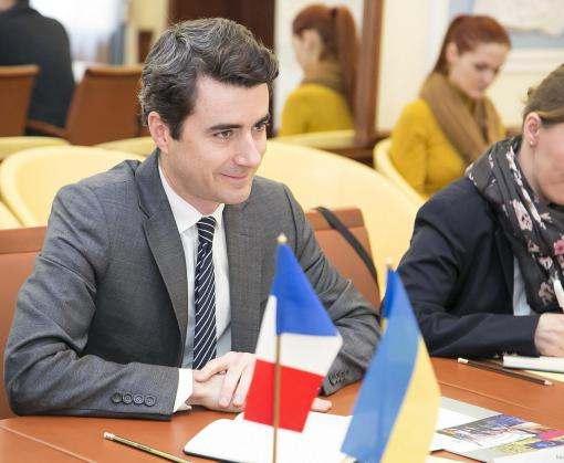 В Харьков прибыли французские военные специалисты