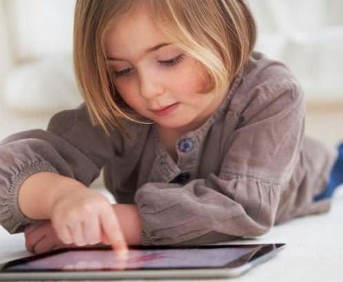Доказан вред планшетов для маленьких детей