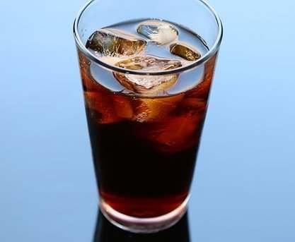 В чем состоит опасность регулярного употребления сладких напитков
