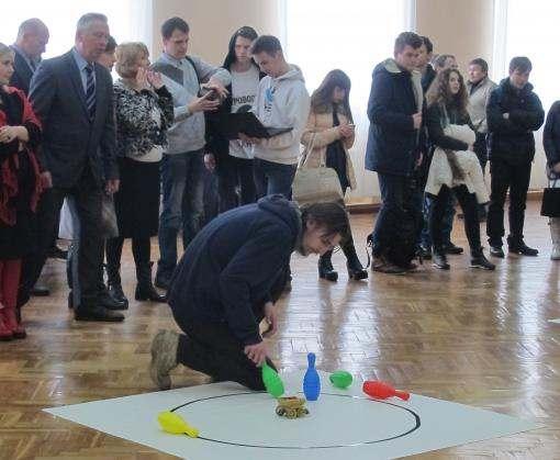 Харьковский студент конструирует робота-дворецкого