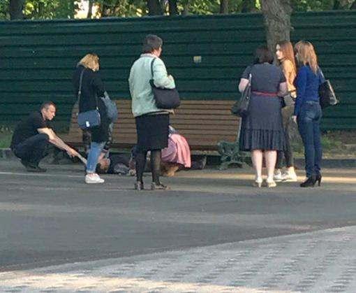 В парке Шевченко парень порезал себе вены