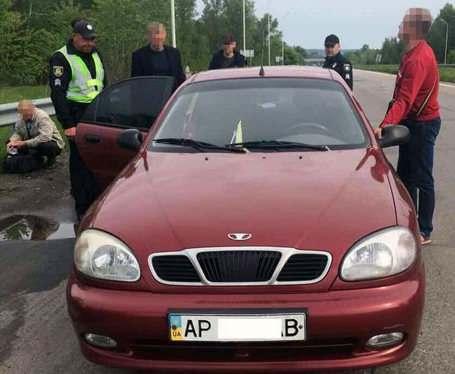 Под Харьковом остановили машину с оружием