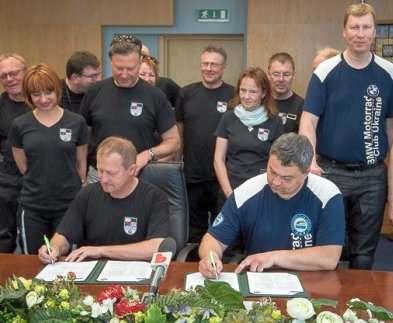 Немцы в Харькове: зачем приехали байкеры из Германии