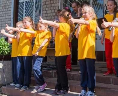 В Харькове начали работать пришкольные лагеря