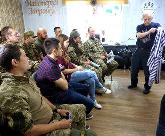 Харьковские ветераны и узники нацистских концлагерей посетили зону АТО
