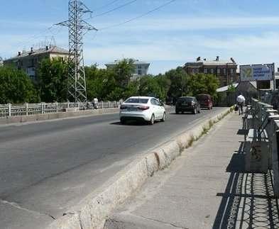 В Харькове ездить через «горбатый» мост не дадут еще месяц
