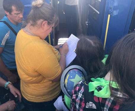 Харьковские школьники отправились на отдых в Одесскую область